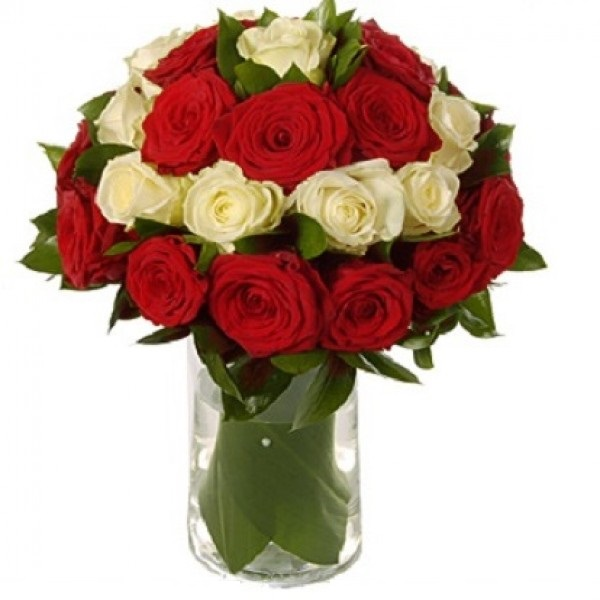 50 Red White Roses Round Arrangement In A Glass Vase J K Florist