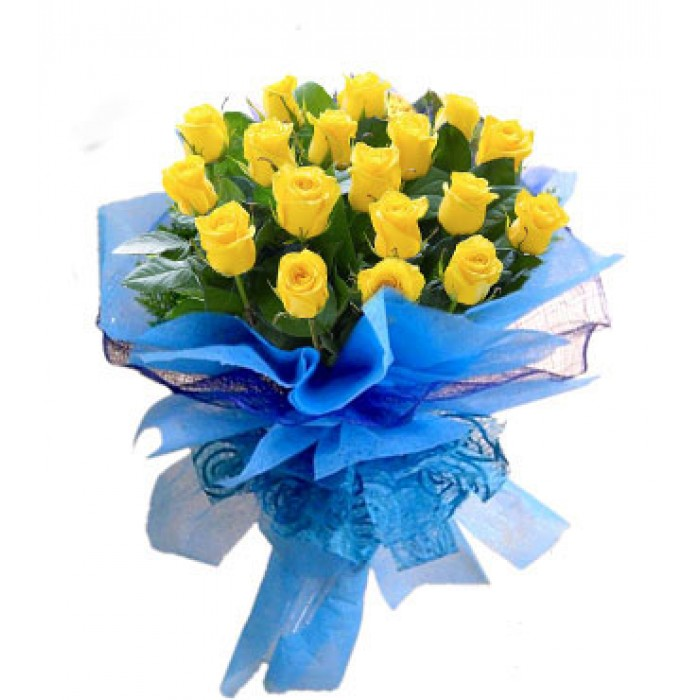 20 yellow roses fancy bunch with blue net paper packing j k florist mightylinksfo