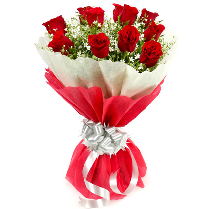 10 Red Roses Bouquet with Stylish Red & White Dual Paper ...