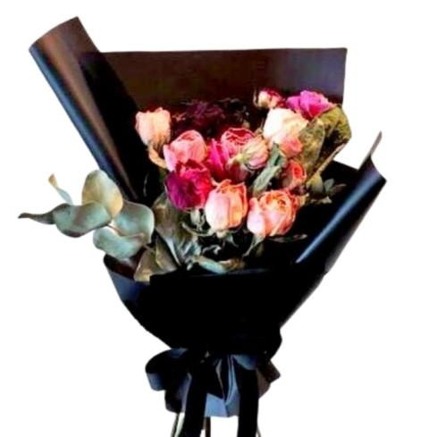 Mix Roses Black Luxurious Packing