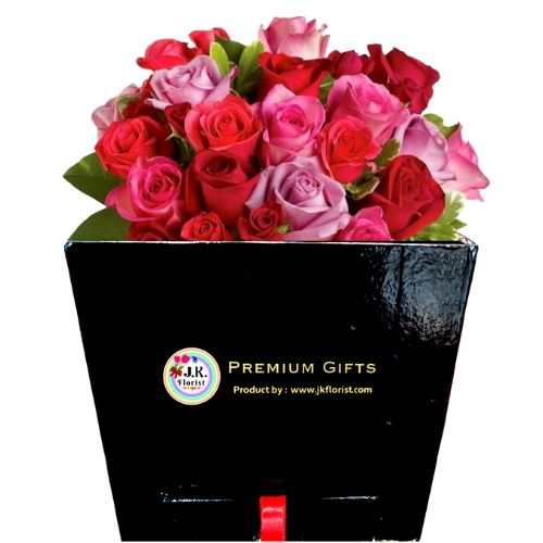 PREMIUM Box with Box Full of Mix Color of Roses